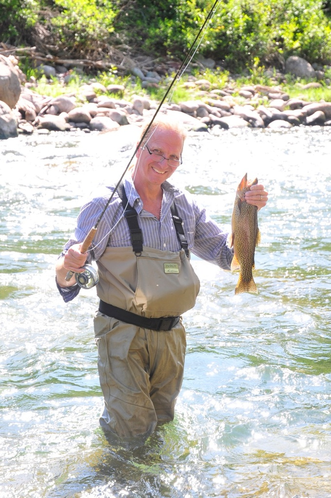 Fly fishing for trout in the roaring fork valley river for Roaring river fishing hours